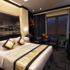 Khách sạn Tường Vi trên Booking.com